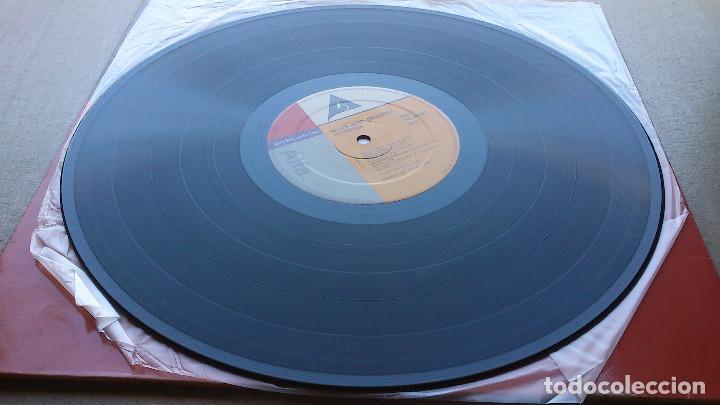 Discos de vinilo: YELLOW MAGIC ORCHESTRA - TECHNODELIC - LP - 1982 - Foto 2 - 85360916