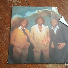 Discos de vinilo: BEE GEES. TOO MUCH HEAVEN. REST YOUR LOVE ON ME. Lote 86038948