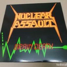 Discos de vinilo: NUCLEAR ASSAULT (MX) BRAIN DEATH +2 TRACKS AÑO 1986 - EDICION U.S.A.. Lote 86163276