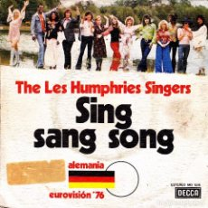 Discos de vinilo: THE LES HUMPHRIES SINGERS - SING SANG SONG + SENTADO EN EL VIEJO PIANO EUROVISION 1976 SPAIN SINGLE . Lote 86726220