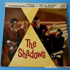 Dischi in vinile: THE SHADOWS (EP. 1961) APACHE - MAN OF MYSTERY - THE STRANGER. Lote 87092012
