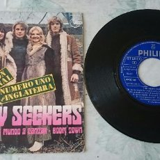 Discos de vinilo: THE NEW SEEKERS: I'D LIKE TO TEACH THE WORLD TO SING / BOOM TOWN (PHILIPS 1972). Lote 87388492