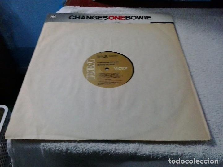 Discos de vinilo: DAVID BOWIE: GHANGES ONE. GREATEST HITS. RCA CPL1.1732. CANADÁ. - Foto 6 - 88868792
