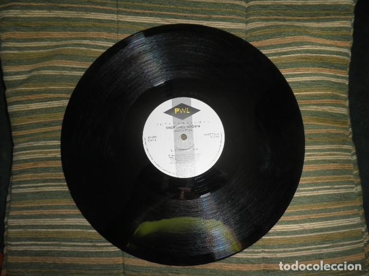 Discos de vinilo: SNOWBALL BROWN - CHICQUETITA MAXI 45 R.P.M. - ORIGINAL INGLES - PWL 1994 - STEREO - - Foto 4 - 90361208
