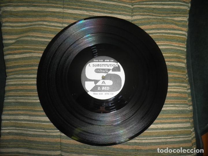 Discos de vinilo: TERMINAL WHITE - SUBSTITUTION - MAXI 33 R.P.M. - ORIGINAL U.S.A. - WHITE 1989 CON ENCARTE - - Foto 4 - 90367640