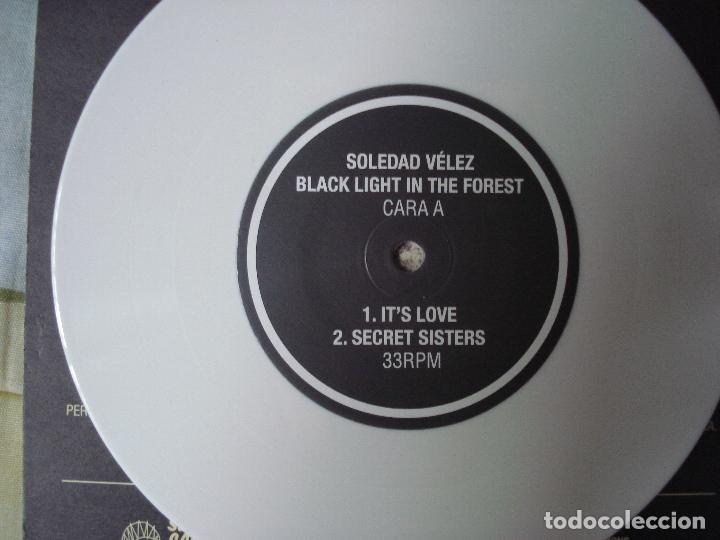 Discos de vinilo: SOLEDAD VELEZ - Black light in the forest,EP SELLO SALVAJE ESTUDIOS EN SEVILLA AÑO 2011 - Foto 2 - 90379168