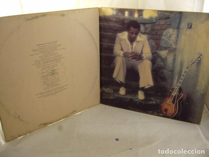 Discos de vinilo: LP VINILO GEORGE BENSON - LIVIN INSIDE YOUR LOVE 2 LPS - Foto 2 - 90999975