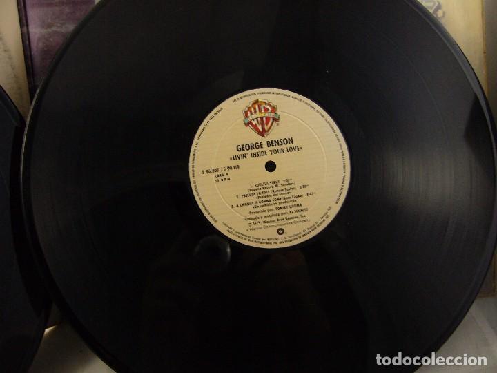 Discos de vinilo: LP VINILO GEORGE BENSON - LIVIN INSIDE YOUR LOVE 2 LPS - Foto 5 - 90999975