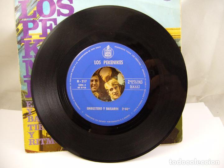Discos de vinilo: LOS PEKENIKES EMBUSTERO Y BAILARIN / TIEMPO Y RITMO (1967 HISPAVOX ESPAÑA) - Foto 3 - 91457495