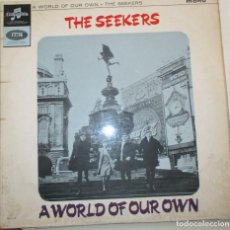 Discos de vinilo: THE SEEKERS – A WORLD OF OUR OWN – LP 1965 – EMI COLUMBIA. Lote 92203595
