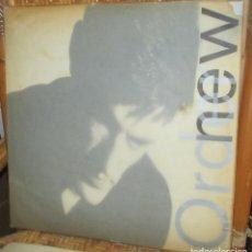 Discos de vinilo: NEW ORDER - LOW-LIFE - LP 85 - COPIA ESPAÑOLA - PORTADA CON MUCHO USO Y TROTE. Lote 93924570