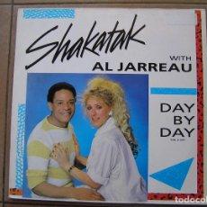 Discos de vinilo: AL JARREAU WITH SHAKATAK ?– DAY BY DAY - POLYDOR 1985 - MAXI - P. Lote 94335594