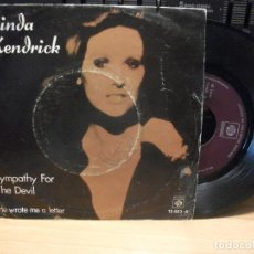 Discos de vinilo: LINDA KENDRICK SYMPATHY FOR THE DEVIL SINGLE SPAIN 1974 PDELUXE. Lote 94680591