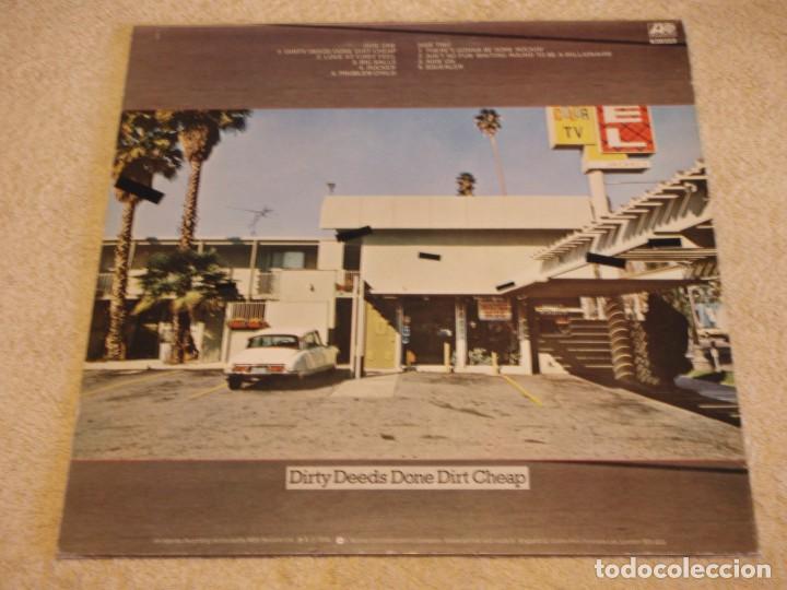 Discos de vinilo: AC/DC – Dirty Deeds Done Dirt Cheap, UK 1976 Atlantic - Foto 2 - 94682623