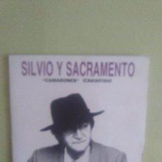 Discos de vinilo: SINGLE PROMOCIONAL SILVIO Y SACRAMENTO .CAMARONES. CRAWFISH.. Lote 95419711