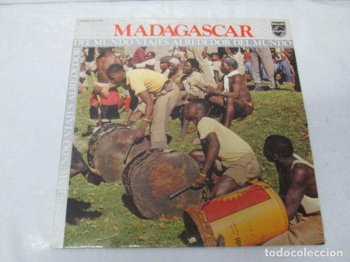Discos de vinilo: MADAGASPAR. VIAJES ALREDEDOR DEL MUNDO. LP VINILO. PHILPHS 1973. VER FOTOGRAFIAS ADJUNTAS - Foto 2 - 95625883