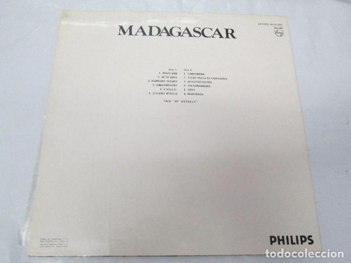 Discos de vinilo: MADAGASPAR. VIAJES ALREDEDOR DEL MUNDO. LP VINILO. PHILPHS 1973. VER FOTOGRAFIAS ADJUNTAS - Foto 8 - 95625883