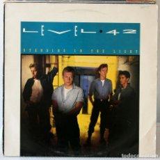 Discos de vinilo: LP LEVEL 42 STANDING IN THE LIGHT. Lote 96147619