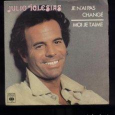 Discos de vinilo: JULIO IGLESIAS CANTA EN FRANCÉS EX/EX. Lote 96743219