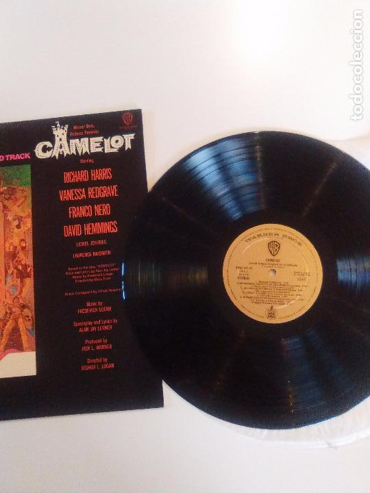 Discos de vinilo: CAMELOT ( 1967 WARNER HISPAVOX ESPAÑA ) JOSHUA LOGAN FREDERICK LOEWE RICHARD HARRIS VANESSA REDGRAVE - Foto 3 - 96943267