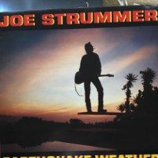 Discos de vinilo: JOE STRUMMER-EARTHQUAKE WEATHER-1989-INSERTO CON LETRAS-EXCELENTE ESTADO-THE CLASH. Lote 97483962
