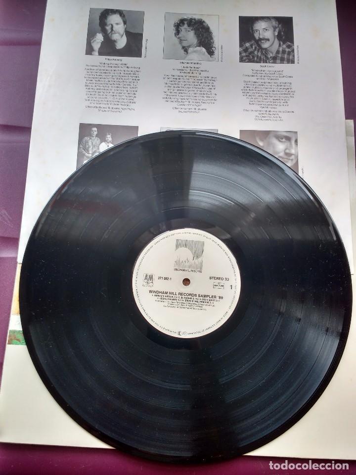 Discos de vinilo: WINDHAM HILL RECORDS SAMPLER 89-PHILIPPE SAISSE + PAUL MCCANDLESS + WILL ACKERMAN + FRED SIMON - Foto 2 - 98170827