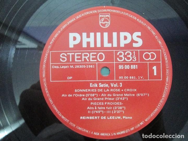Discos de vinilo: ERIK SATIE VOL 3. OEUVRES DE JEUNESSE POUR PIANO REINBERT DE LEEUW, PIANO. LP VINILO. PHILIPS 1981 - Foto 5 - 98588847
