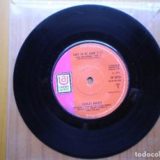 Discos de vinilo: SINGLE 1970 SHIRLEY BASSEY / EASY TO BE HARD / SOMETHING , MAS FOTOS. Lote 98725891