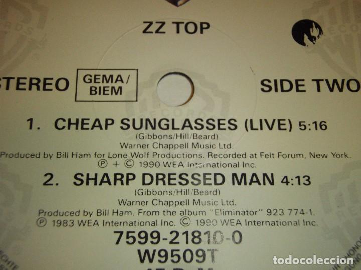 Discos de vinilo: ZZ TOP ( GIVE IT UP - CHEAP SUNGLASSES (LIVE) - SHARP DRESSED MAN ) 1983-1990-GERMANY MAXI45 - Foto 4 - 98867015