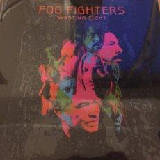 Discos de vinilo: LP FOO FIGHTERS. WASTING LIGHT. NUEVO PRECINTADO. Lote 99175338