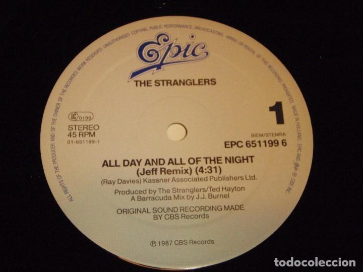Discos de vinilo: The Stranglers – All Day And All Of The Night (Jeff Remix) Maxi-45 Holanda 1987 EPIC - Foto 4 - 99421279