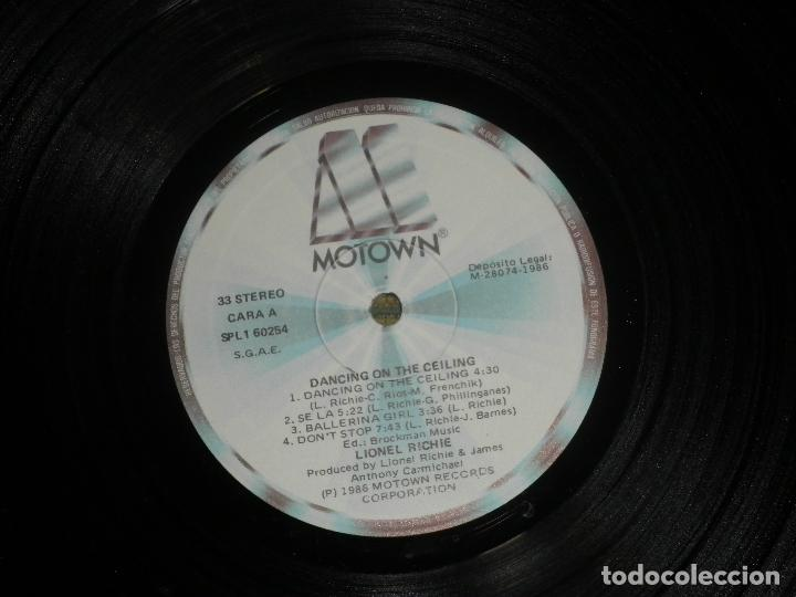 Discos de vinilo: LIONEL RICHIE - DANCING ON THE CEILING LP - ORIGINAL ESPAÑOL - MOTOWN 1986 - FUNDA INT. ORIGINAL - - Foto 13 - 141569782