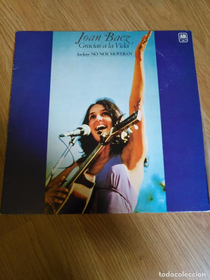 JOAN BAEZ - GRACIAS A LA VIDA - LP 1977 CBS INCLUYE NONOS MOVERAN (Música - Discos de Vinilo - Maxi Singles - Pop - Rock Extranjero de los 70)