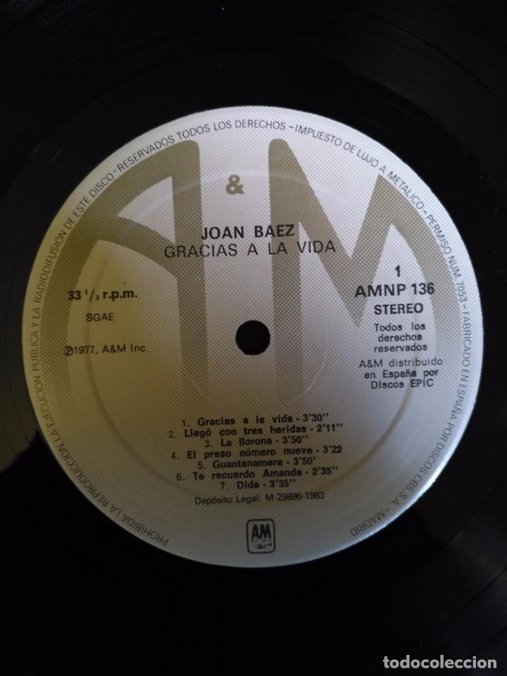 Discos de vinilo: JOAN BAEZ - GRACIAS A LA VIDA - LP 1977 CBS INCLUYE NONOS MOVERAN - Foto 3 - 100721963
