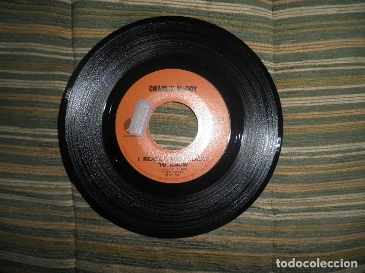 Discos de vinilo: CHARLIE McCOY - I REALLY DON´T WANT TO KNOW SINGLE PROMO - ORIGINAL USA - MONUMENT 1972 - - Foto 3 - 102168015