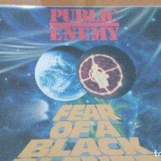 Discos de vinilo: PUBLIC ENEMY FEAR OF A BLACK PLANET LP SPAIN CON INSERTO. Lote 102646815