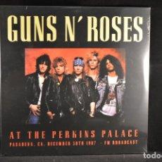 Discos de vinilo: GUNS N' ROSES - AT THE PERKINS PALACE (PASADENA, CA. DECEMBER 30TH 1987 - FM BROADCAST) - 2XLP. Lote 102690843