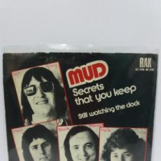 Discos de vinilo: SINGLE ** MUD ** SECRETS THAT YOU KEEP *COVER/ VERY GOOD+/EXCELLENT*SINGLE/EXCELLENT/NEAR MINT *1975. Lote 102937899