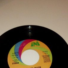 Discos de vinilo: BAL-3 DISCO CHICO 7 PULGADAS SIN CARATULA NEIL DIAMOND WALK ON WATER HIGH ROLLING MAN . Lote 103716515