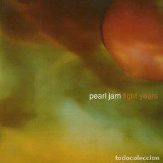 Discos de vinilo: SINGLE PEARL JAM LIGHT YEARS VINILO AMARILLO NUEVO PRECINTADO REED. 2017. Lote 103767511