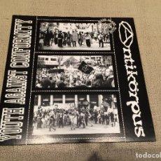 Discos de vinilo: YOUTH AGAINST CONFORMITY / ANTIKORPUS -YOUTH AGAINST CONFORMITY / ANTIKORPUS- (2001) LP DISCO VINILO. Lote 103875979