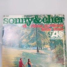 Discos de vinilo: SONNY & CHER: THE BEAT GOES ON / LITTLE MAN. Lote 104178963
