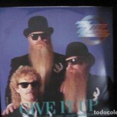 Discos de vinilo: ZZ TOP - GIVE IT UP - MAXI DE 3 TEMAS - EDICION INGLESA DEL AÑO 1983.. Lote 104449671
