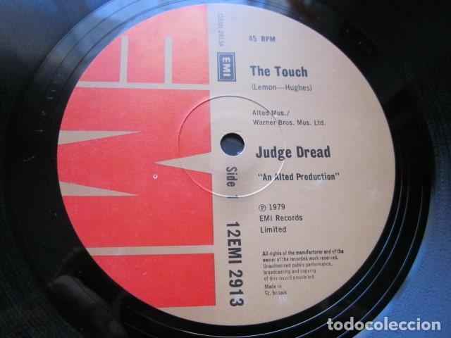 Discos de vinilo: JUDGE DREAD - THE TOUCH - MAXI DE 2 TEMAS - EDICION INGLESA DEL AÑO 1979. - Foto 3 - 104518143