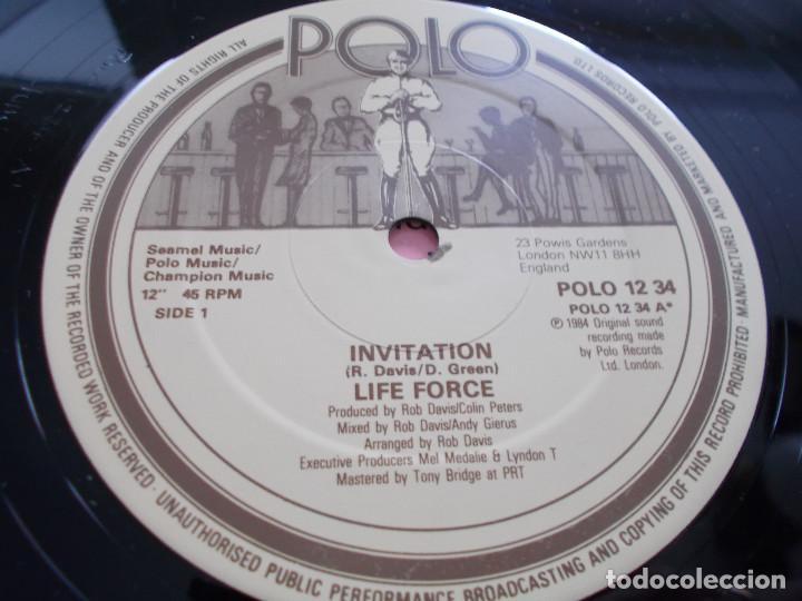 Discos de vinilo: LIFE FORCE. INVITATIÓN.MAXI - Foto 3 - 104961275