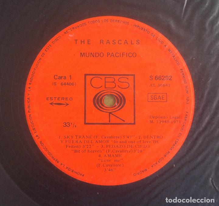 Discos de vinilo: The Rascals - Peaceful world - 2 LP 1971 CBS S 66292 Edición original española. - Foto 3 - 105315815