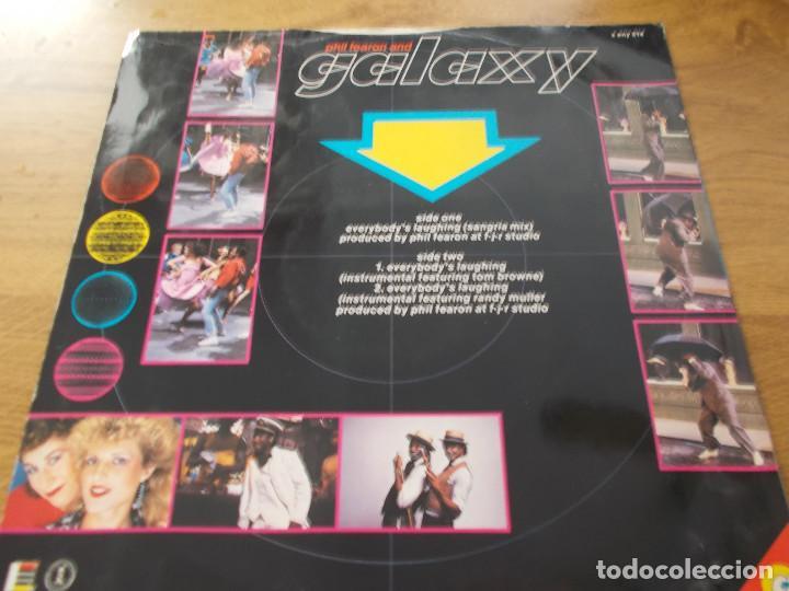 Discos de vinilo: PHIL FEARON & GALAXY. EVERYBODY´S LAUGHING. - Foto 2 - 105327671