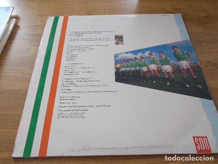 Discos de vinilo: REPUBLIC OF IRELAND SQUAD. PUT´EM UNDER PRESSURE. - Foto 2 - 105338419
