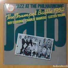 Discos de vinilo: ROY ELDRIDGE / CHARLIE SHAVERS / LESTER YOUNG - THE TRUMPET BATTLE 1952 - LP. Lote 106338196