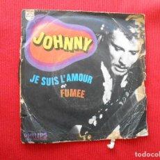 Discos de vinilo: JOHNNY JE SUIS L AMOUR ET FUMEE. Lote 106681079